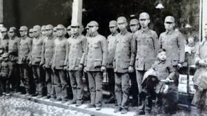 蘆洲人李友邦領導的台灣義勇隊,成立初期在浙江金華合影。(網路圖片)